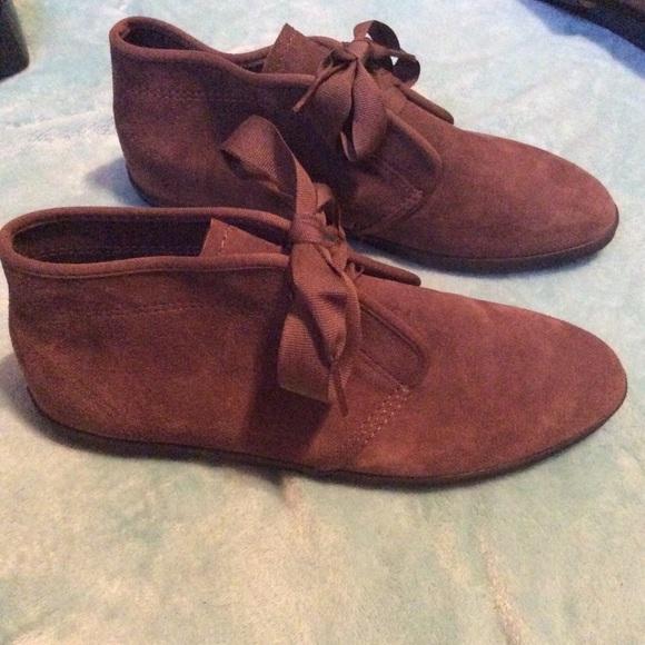 Keds Essentials Leather Suede Chukka